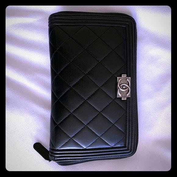 CHANEL Handbags - Chanel zippy black Boy wallet